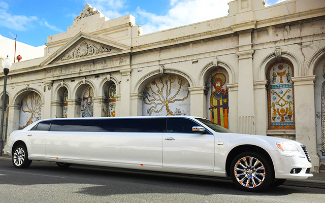 Swan Valley Chrysler limousine wine tours